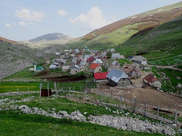 Lukomir village (1 495 m)