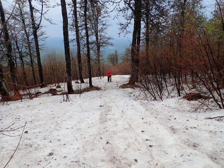 Descent from Čador peak