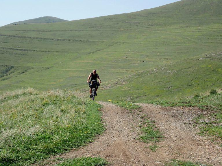 Back to Erusheti Range from Vardzia - 1 000 m uphill.