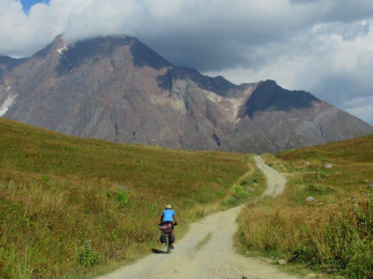 Zagaro pass (2 624 m) - links Upper and Lower Svaneti.