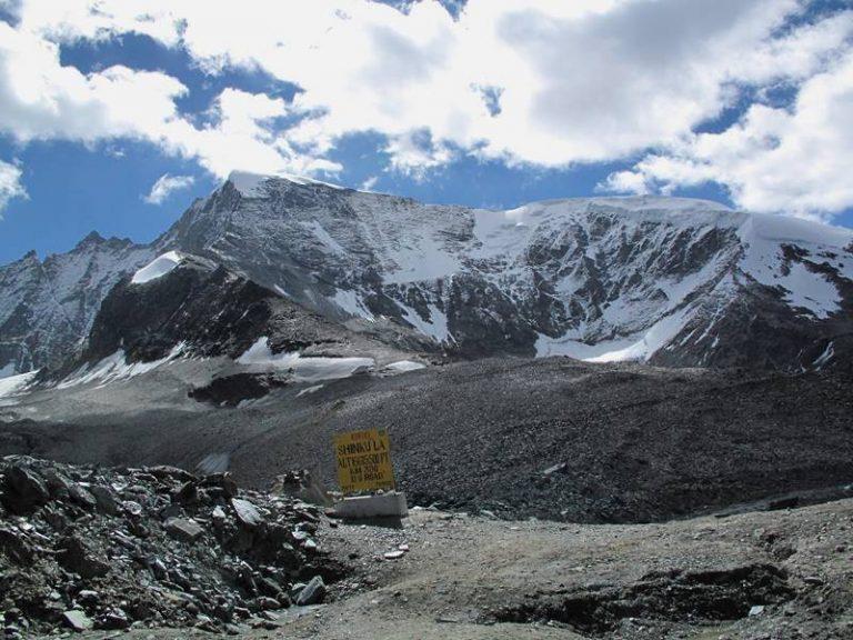 Shingo La top (5 097 m), the door to Zanskar valley.