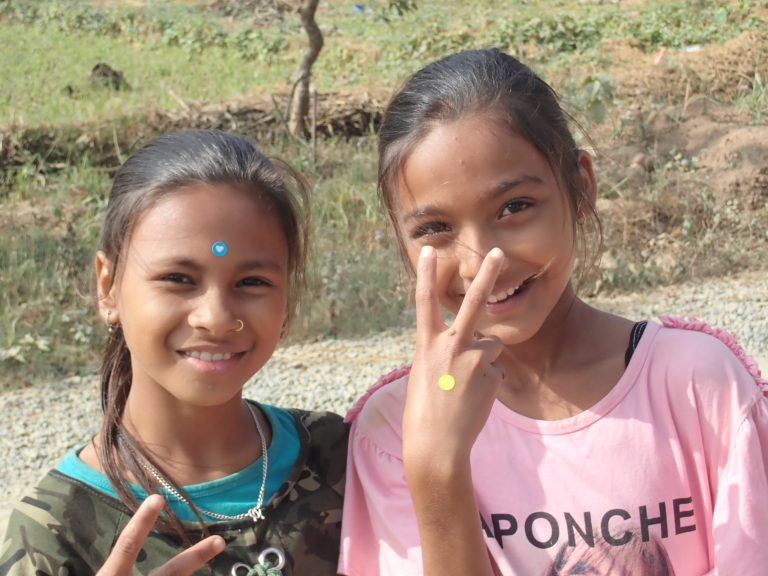 Girls from Chhebetar with special Slovak non Hindu tikka :)
