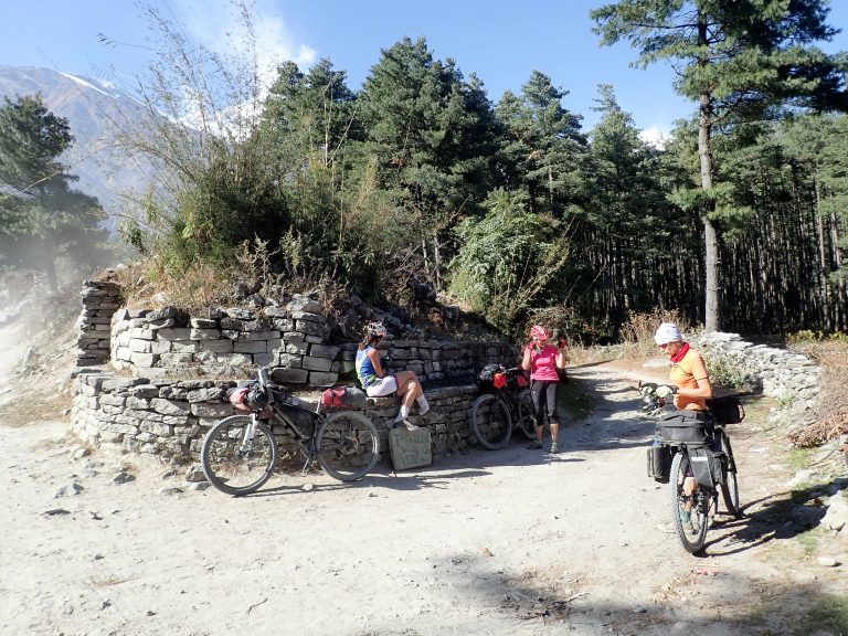 First interesting crossroad, turn to Titi Tal trail - highly recommended!